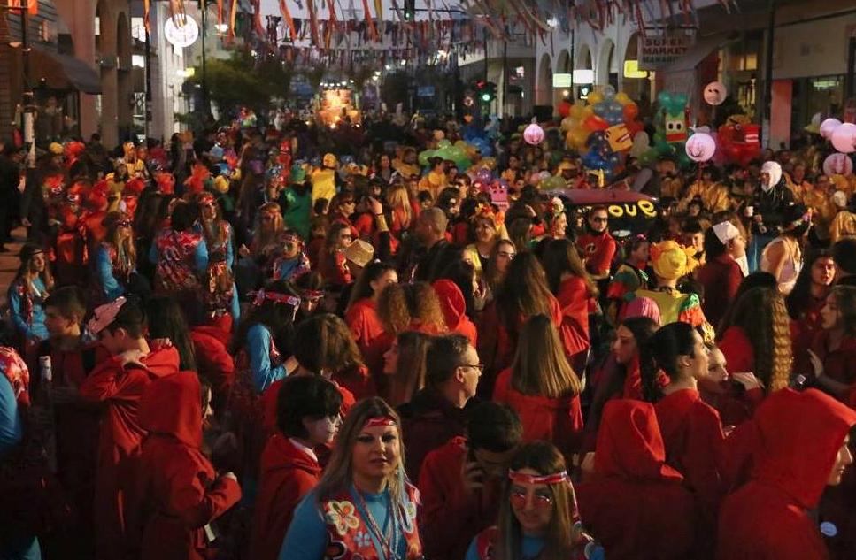Ντελίριο Ενθουσιασμού για την παρέλαση με άρματα του Καρναβαλικού Κομιτάτου Πρέβεζας-Η σειρά της παρέλασης